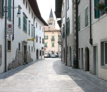 Venzone, Via Mistruzzi